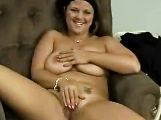 Fat girl gets on her knees to suck cock