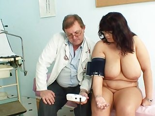 Mature with generous bust goes to the doc