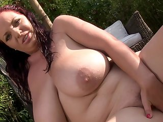 Lusty BBW babe enjoys warm solo