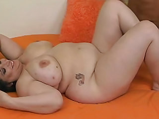 Fat chick with shaved pussy fucked hard