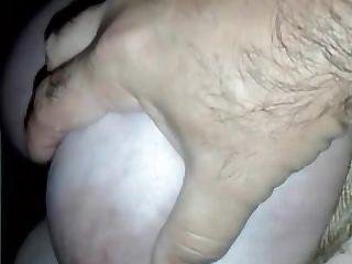 abusando de la ubres de mi vaca