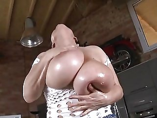 Huge tits oil